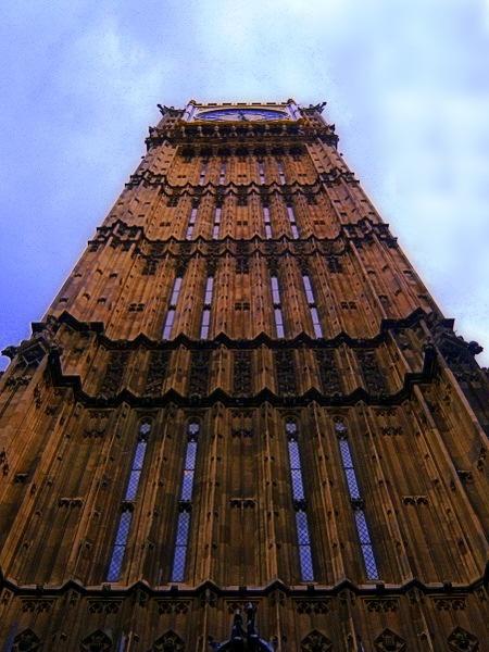 Big Ben skywards by LynneG
