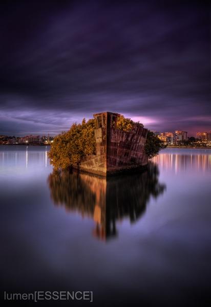 Ship Wreck by lumenessence