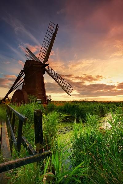 Mill- Pond by chris-p