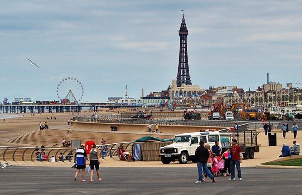 Blackpool Wide by chensuriashi
