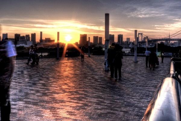 Tokyo Sunset by bwillik