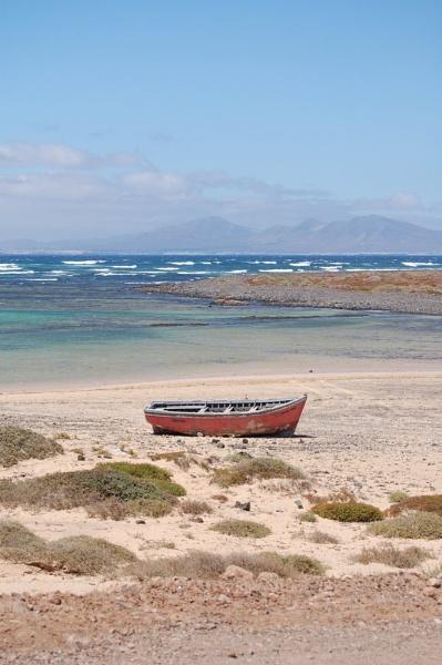 The little boat by striker1998