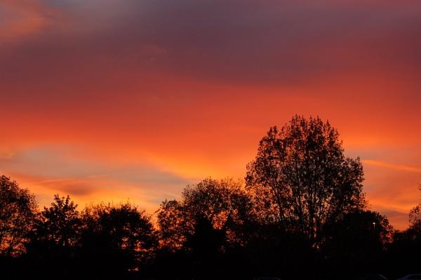 Sunset @ Brands Hatch by striker1998