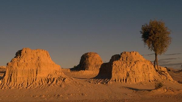 Sunset over Mung Mung National Park, Australia by jennialexander