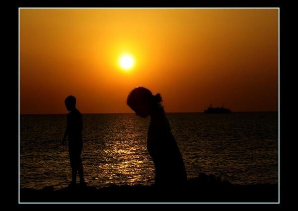 sunset & grandkids by tobybongo