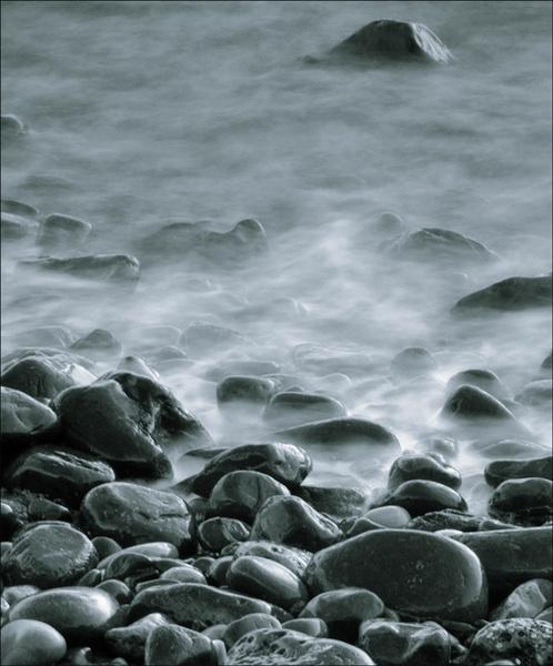 ghostly rocks by wavey