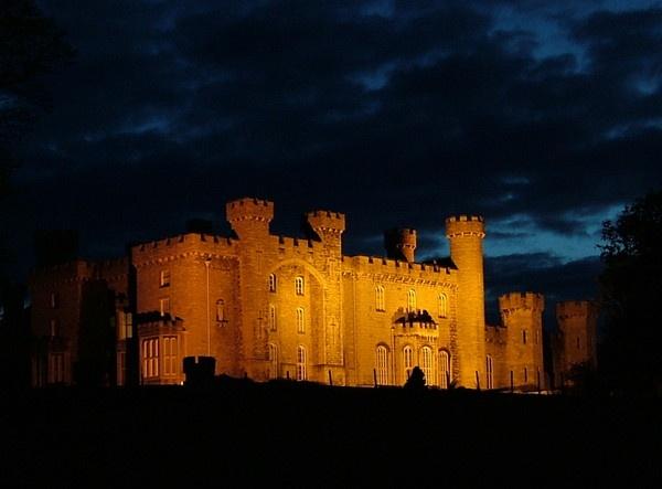 Bodewelleyn Castle at night by PaulinAus