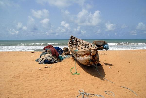 Log boat Nigeria by JMB