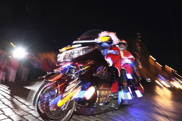Goldwing Treffen Illuminated parade by digitalpic