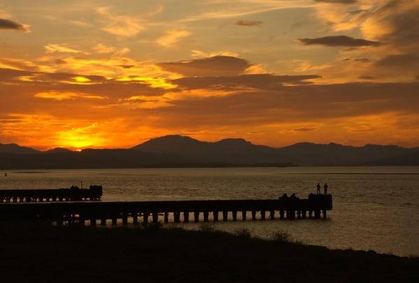 Fishing Sunset by iajohnston