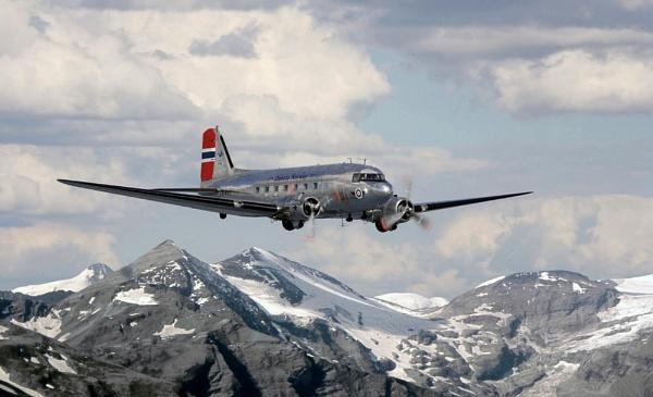 Dakota over Norway by v8dunc