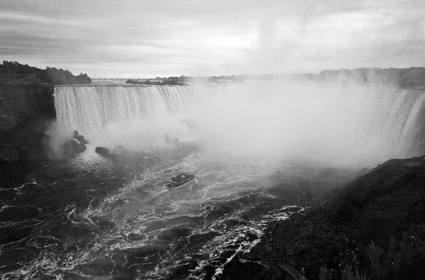 Wild Niagara Falls by themoabird