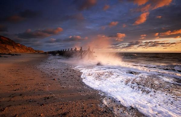 Splashdown.... by chris-p