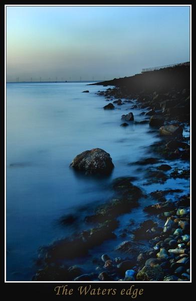 The waters egde by dazloz