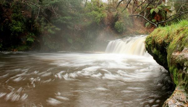 Kerosine Creek New Zealand by x_posure