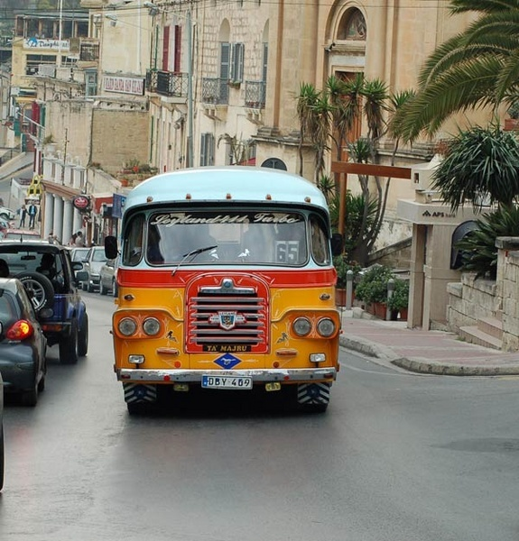 Malta Bus! by wennyb