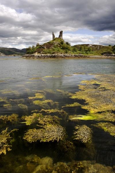 Kyleakin Castle by Heliopause