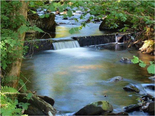 Cwm river, by Mikelane