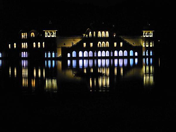 lake palace by jairathore
