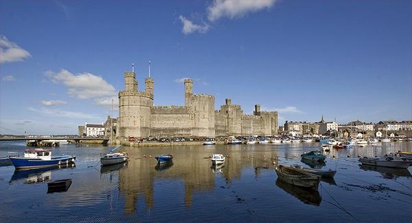 Caernarvon Castle by urdygurdy