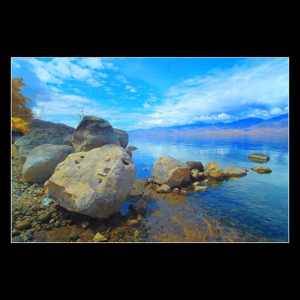 Singkarak Lake Rocks by rioarchitect