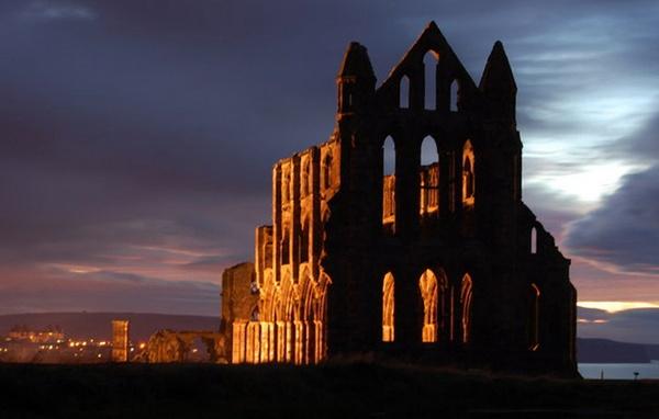 Abbey At Night by stephenscott