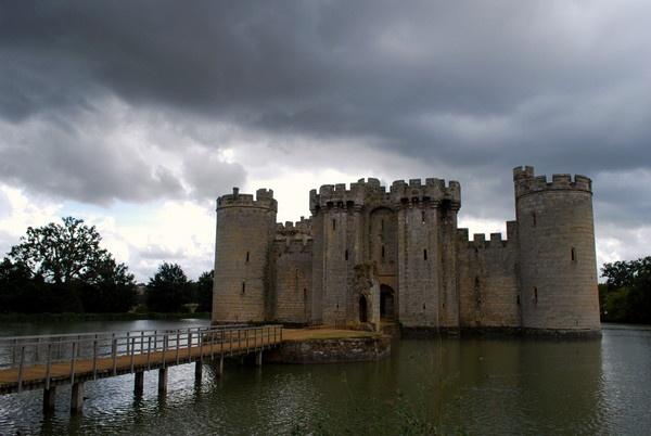 Bodiam Castle by snaphotos