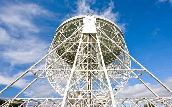 Lovell Radio Telescope by Britman