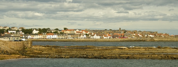 Anstruther Harbour by 66dougie