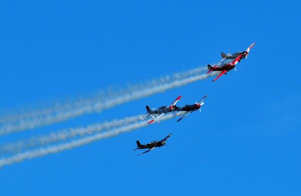 air show by WaltP