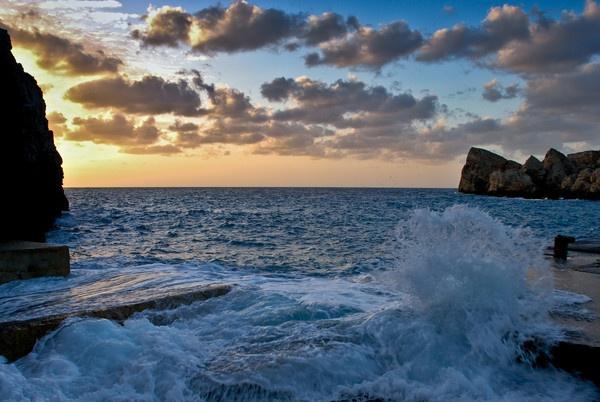 Anchor Bay, Malta by wstead