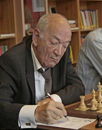Chess legend Viktor Kortsjnoj on a match in Enschede (Holland)
