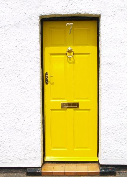Yellow by imagio