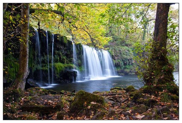 Sgwd Uchaf Ddwli (Upper Ddwli Falls) by Dave_Holdham