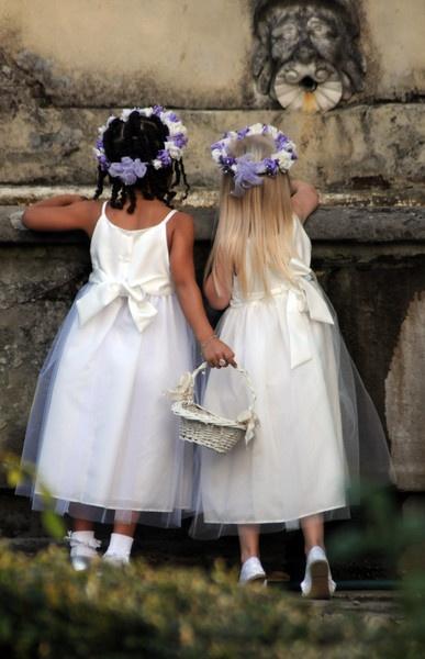 Flower Girls by rodyates