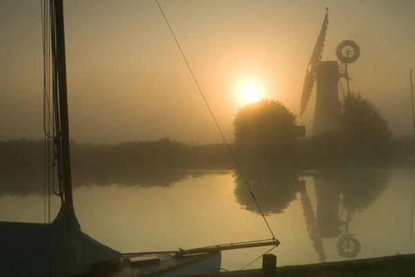 Sunrise on a Misty Morning at Thurne Mill by mlanda