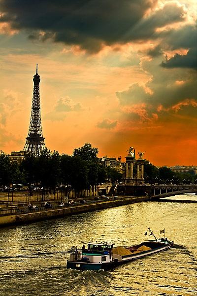 Paris by Gep