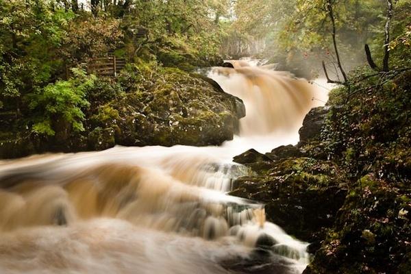 Waterfalls in flood by sifit