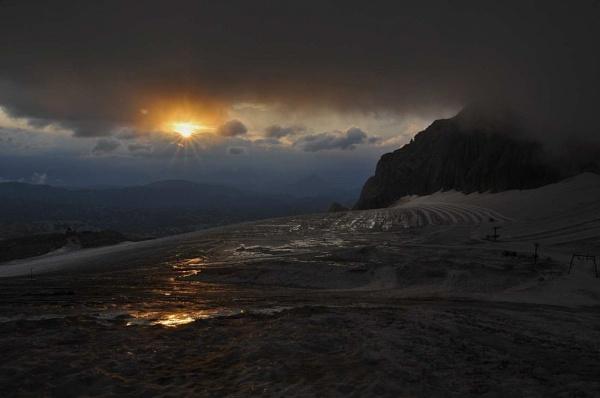 Dachstein Glacier sunrise by Merbert