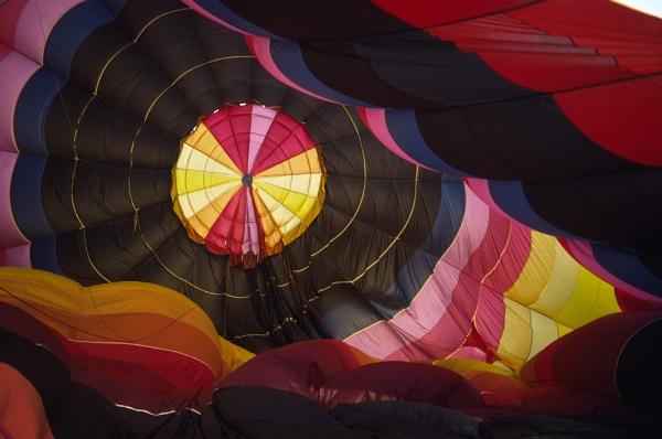 Balloon Inside by jinstone