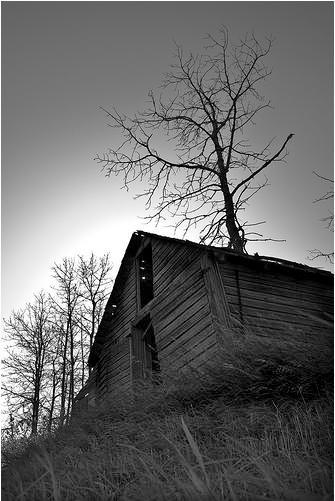 Abandoned Farm House by lukestjohn