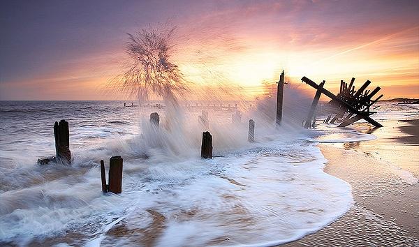Splash of Haze by richardwheel