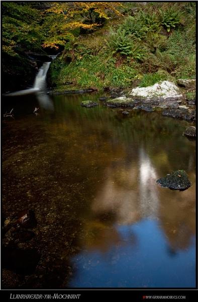 Llanrhaeadr-ym-Mochnant by GrahamNobles