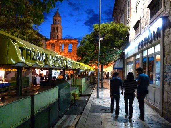 early evening stroll by Rogermai