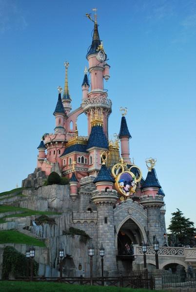 Disneyland Paris castle by FunnyTrickster