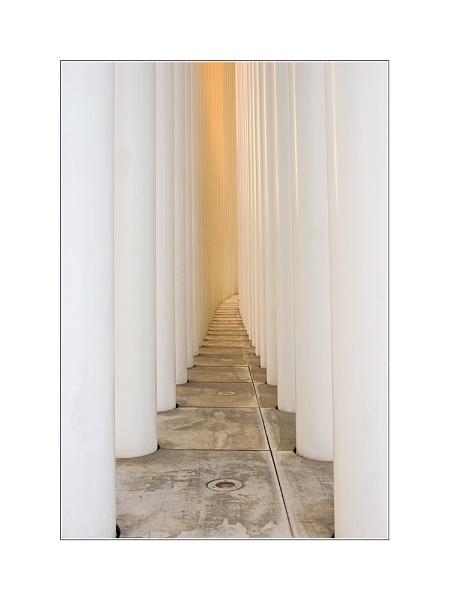 Philharmonie Pillars by conrad