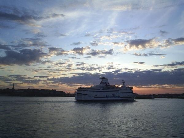 Brittany Ferries Sunrise by FredF