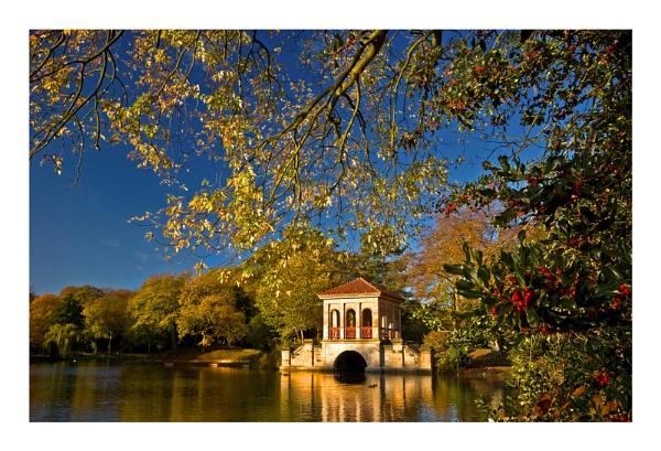 Autumn in Birkenhead Park by Brenty
