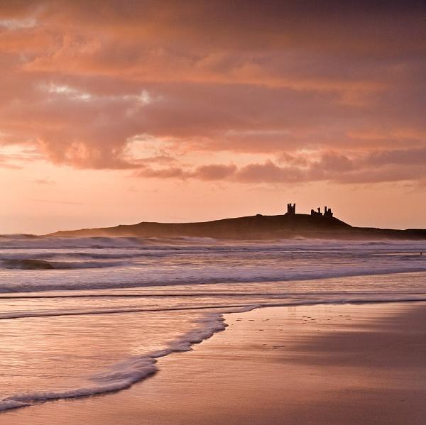 Dunstanburgh castle by Les_G