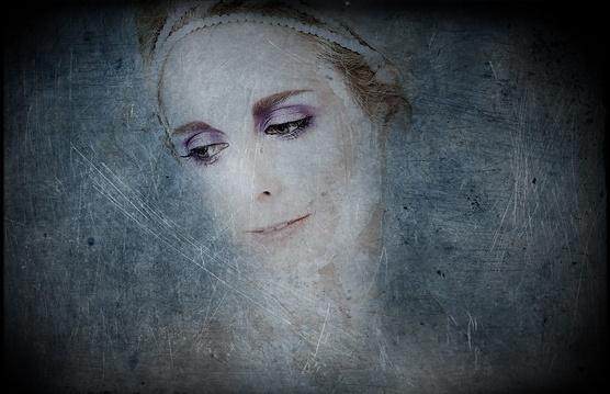 Snow Queen by garth01